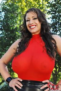 Eva Notty Huge Breasts