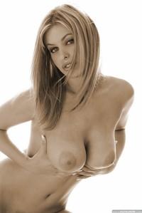 Ginger Jolie Amazing Nude Body